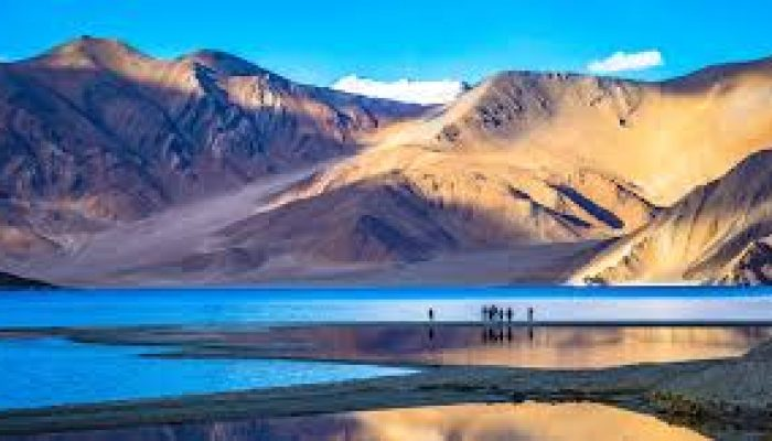 China map on bank of Pangong lake to claim it as Chinese territory